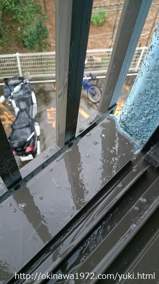 沖縄本島で雪が降る前に観測されたあられ